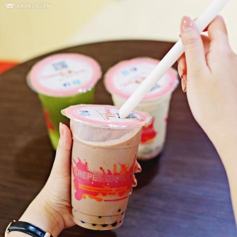 Hazelnut Chocolate Milk Tea IDR 20k, Kiwi Green Tea IDR 17k, Japanese Matcha Milk Tea IDR 18k