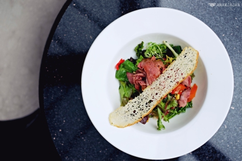 Spicy Beef Salad with Thai dressing IDR 110k