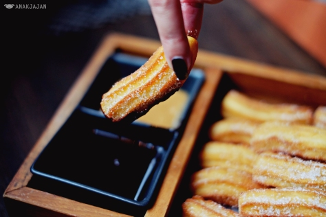 Churros with Chocolate and Dulce de Leche sauce IDR 60k