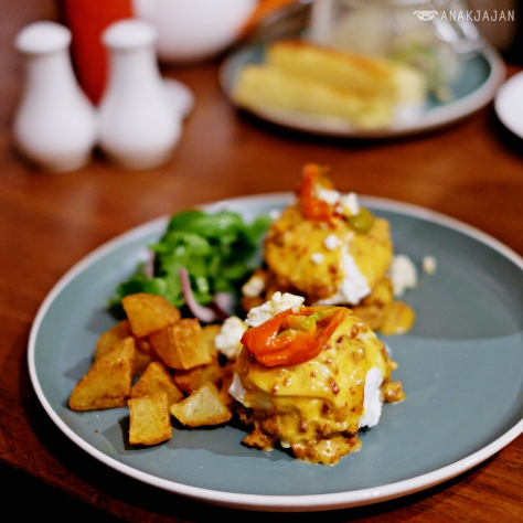Mexican Eggs Benedict IDR 80k