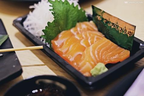 Salmon Sashimi IDR 36k