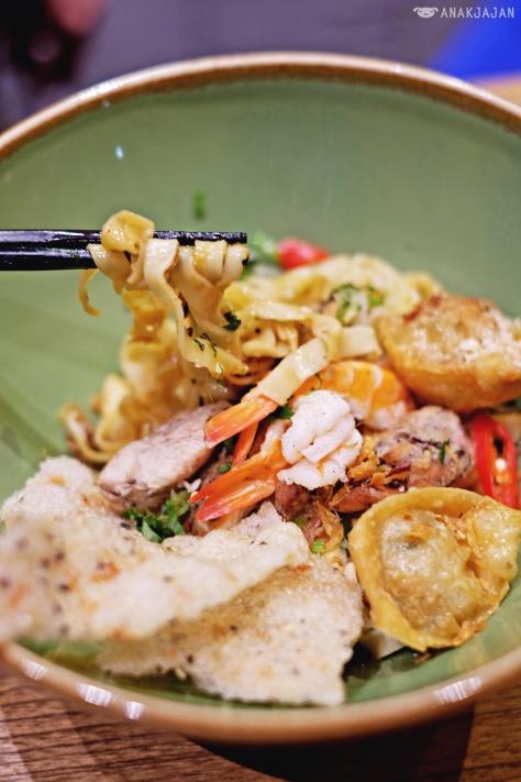 Quang Style Egg Noodle IDR 65k
