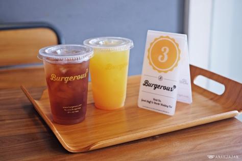 Durian Iced Tea IDR 15k M / IDR 18k L, Pineapple Juice IDR 16k M/ IDR 18k L