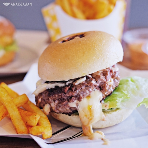 Juicy Lucy IDR 55k