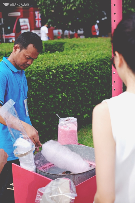 free cotton candy