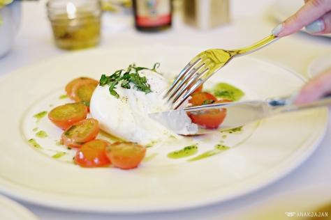 Fresh Puglia Burrata IDR 175k