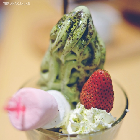 Green Tea Parfait IDR 37k