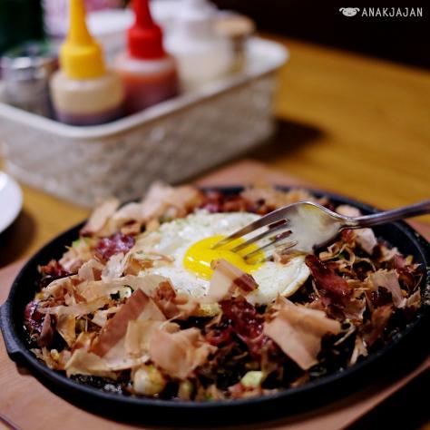 Okonomiyaki - Caramelized Wagyu Hiroshima IDR 159k(M), 219k(L)