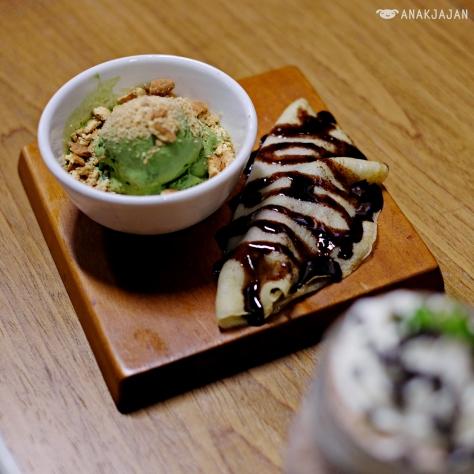 Pancake (Snicker/Redbean) IDR 40k