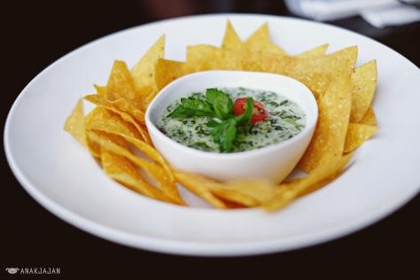 Creamy Spinach Nachos IDR 29.5k