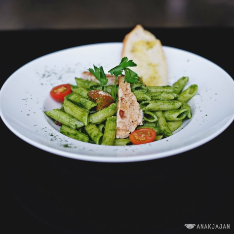 Pesto with Grilled Chicken IDR 42.5k