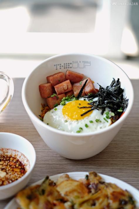 Kimchi Fried Rice With Ham IDR 55k (M), IDR 65k (L)