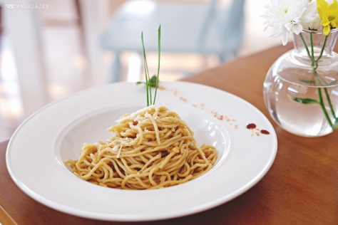 Garlic Noodle with Crab Meat IDR 40/55k