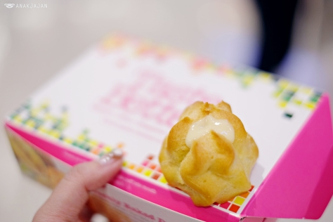 Durian Puff (IDR 50k/ box of 6 pcs)