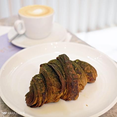 Matcha-Choco Croissant IDR 35k