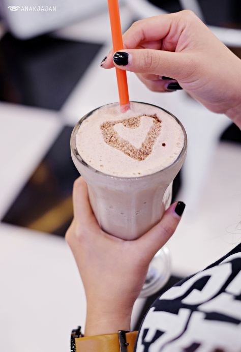 W Diner Shakes - Nutella IDR 35.9k