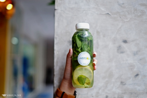 Mint Lemon Infused Water IDR 20k