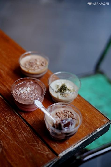 Green Tea Pudding IDR 8k, Strawberry Nesquik Pudding IDR 12k, Chocolate Kit Kat Pudding IDR 12k, Irish Coffee Pudding IDR 12k
