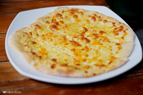 Pizza 4 Kinds of Cheese IDR 45k