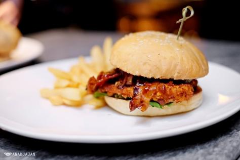 Southern Chicken Burger IDR 238k