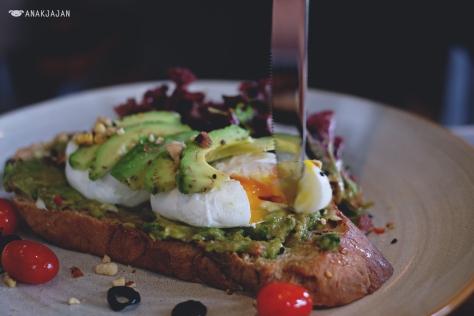 Avocado on Toast IDR 85k