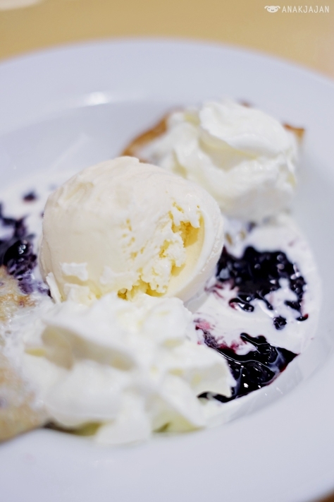 Blueberry Fruit Crepe AED 28