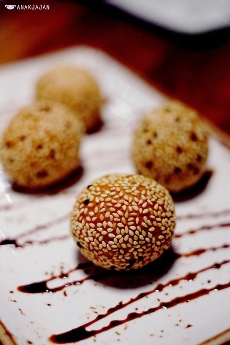 Choco Buchi AED 35