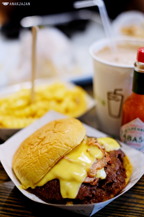 Cheddar Shack AED 65 Double