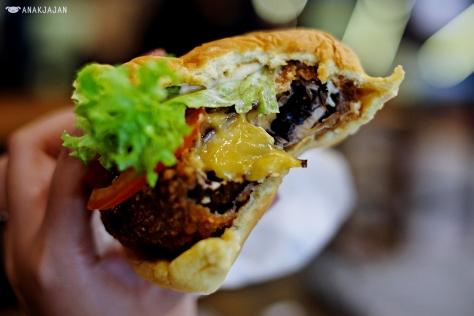 Shroom Burger AED 26