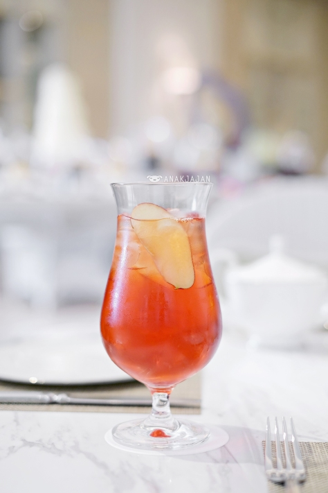 Peacock Tea IDR 70k, TWG eternal summer tea, lemon juice, apple juice