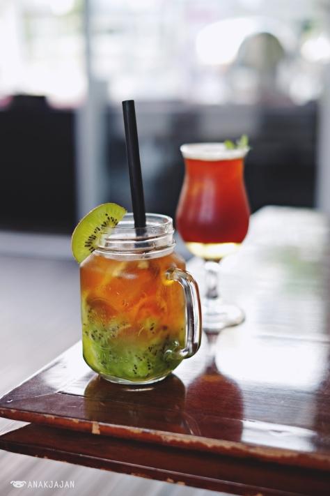 Kiwi Iced Tea IDR 35k / Iced Americano IDR 35k