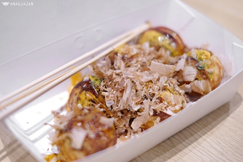 Takoyaki Japanese Sauce and Spicy Mayonnaise IDR 29k (6 pcs)