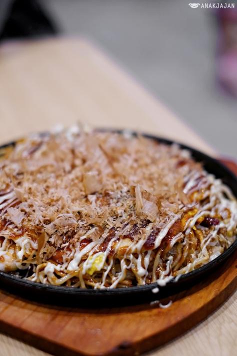 Hiroshima Okonomiyaki - Seafood Noodle Special IDR 98k