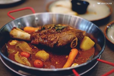 Lamb Shank IDR 265k