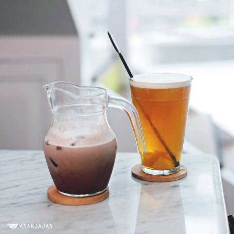 Chocolate Milk Tea IDR 20k, Lychee Iced Tea IDR 25k