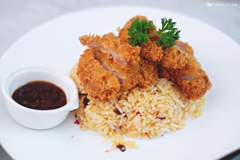 Crispy Pork Loin with Butter Rice IDR 52k
