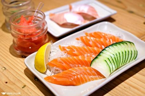 Salmon Sashimi IDR 49k