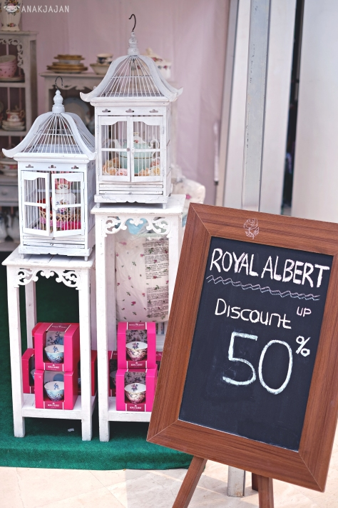 Royal Albert's booth