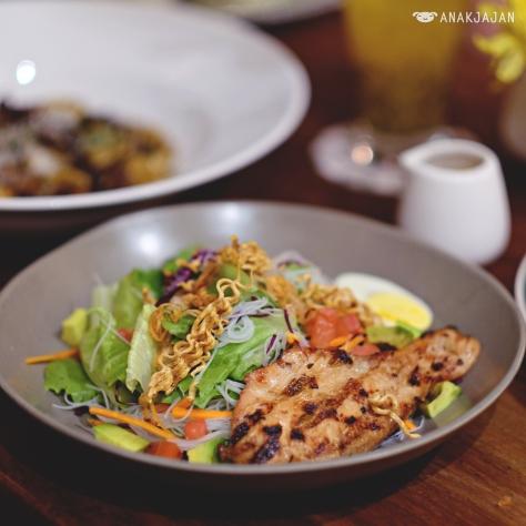 Asian Cobb Salad IDR 80k