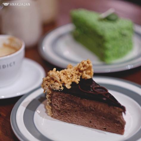Benedict's Signature Lindt Chocolate Cake IDR 55k