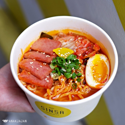 Kimchi Ramyun soup with beef sausage IDR 54k (R), IDR 74k (L)