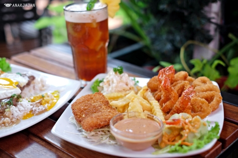 Seafood Platter (Fish, Shrimp, and Calamari) IDR 90k