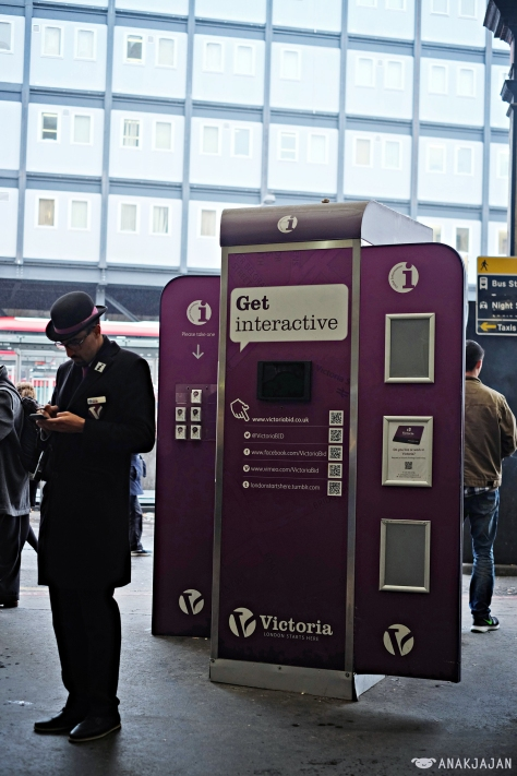 tourist information at Victoria Station