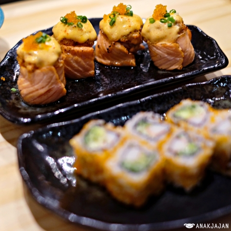 Salmon Hana Roll IDR 35k/ 2pcs
