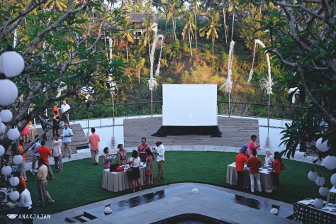 gathering + movie screening under the stars in the evening