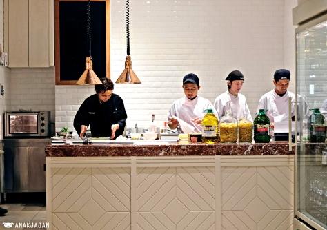 Chef Tanaka Hidekazu and team