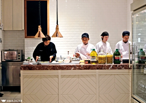 Chef Tanaka Hidekazu and team