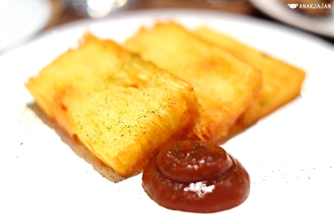 Crispy Potato Cake with Fifteen Chili Ketchup GBP 4