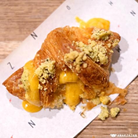Salted Egg Yolk Lava Croissant IDR 30k