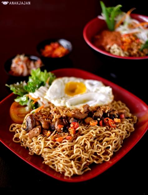 Mie Teriyaki (Noodle) IDR 24k + Egg IDR 3k